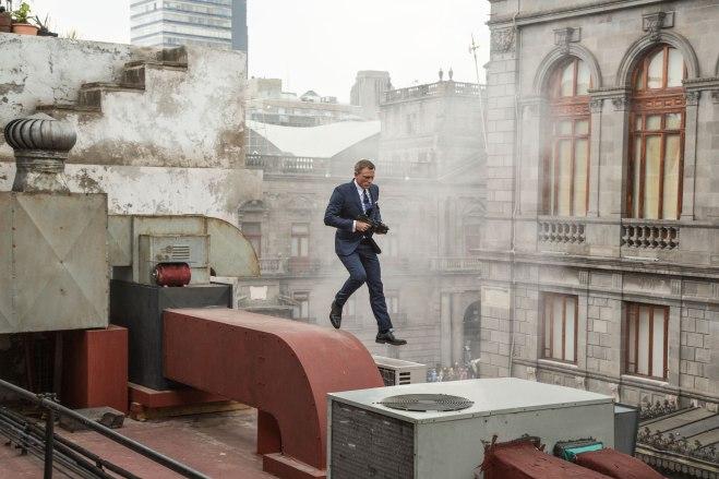 007-spectre-critica-resena-estreno-2