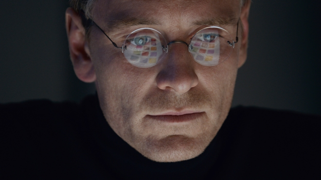 steve-jobs-movie-2015-holding